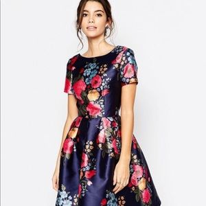 Chi chi London English getaway dress
